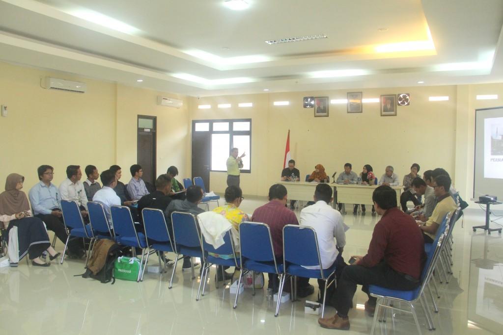 Peserta Lokakarya Re-Entry Pegawai Tugas Belajar Kunjungi KPKNL Bogor