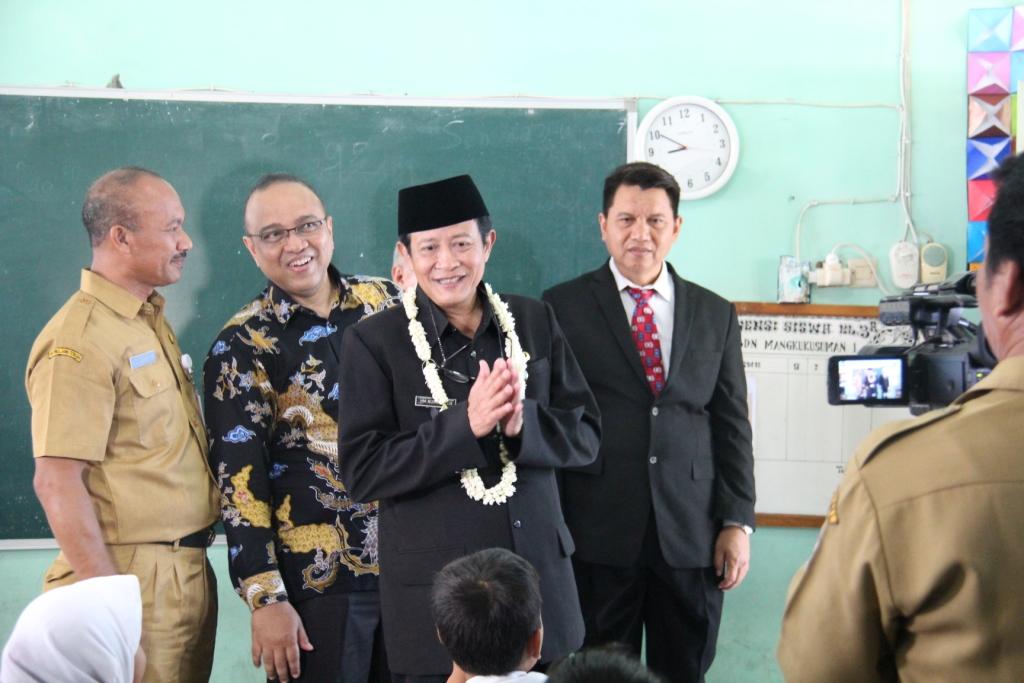 Bersama Plt. Walikota Tegal, KPKNL Tegal Semarakkan Kemenkeu Mengajar 2017