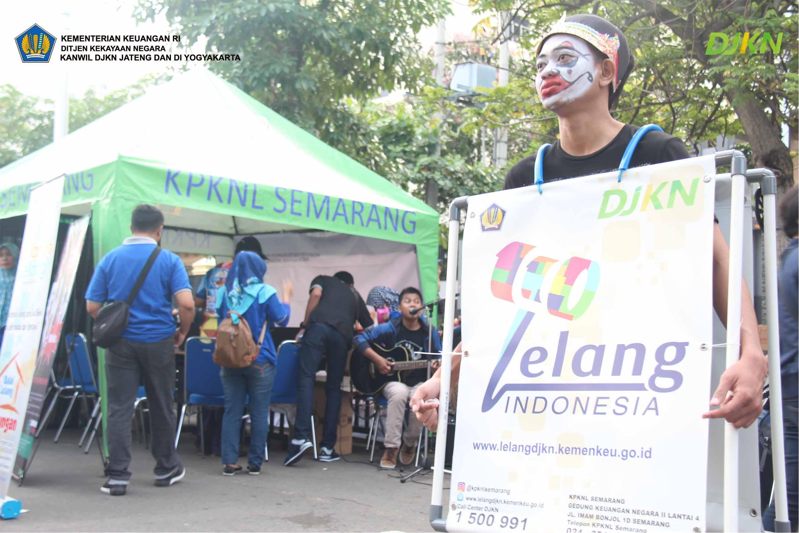Gebyar 110 Tahun Lelang Indonesia di Car Free Day Semarang