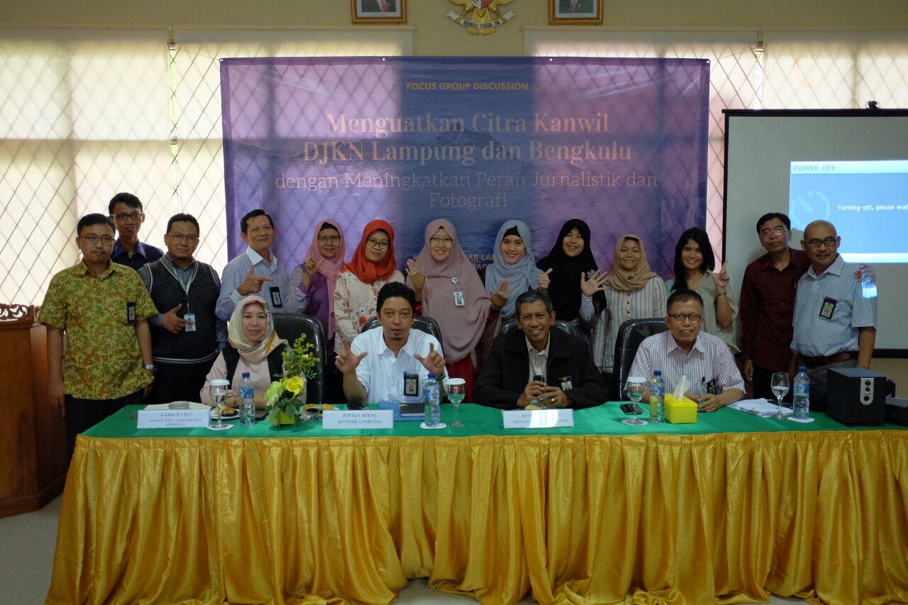 Belajar Jurnalistik dan Fotografi di KPKNL Bandar Lampung