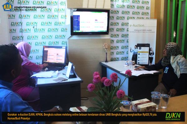 Melalui Lelang Online, KPKNL Bengkulu Sukses Jual Kendaraan Dinas UNIB Rp525,76 Juta