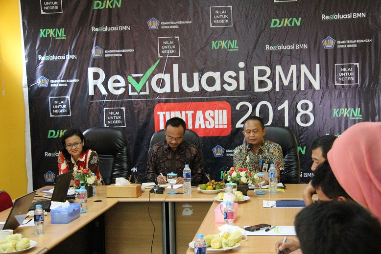 Kanwil DJKN Kalimantan Barat Lakukan Monev Revaluasi BMN di KPKNL Singkawang