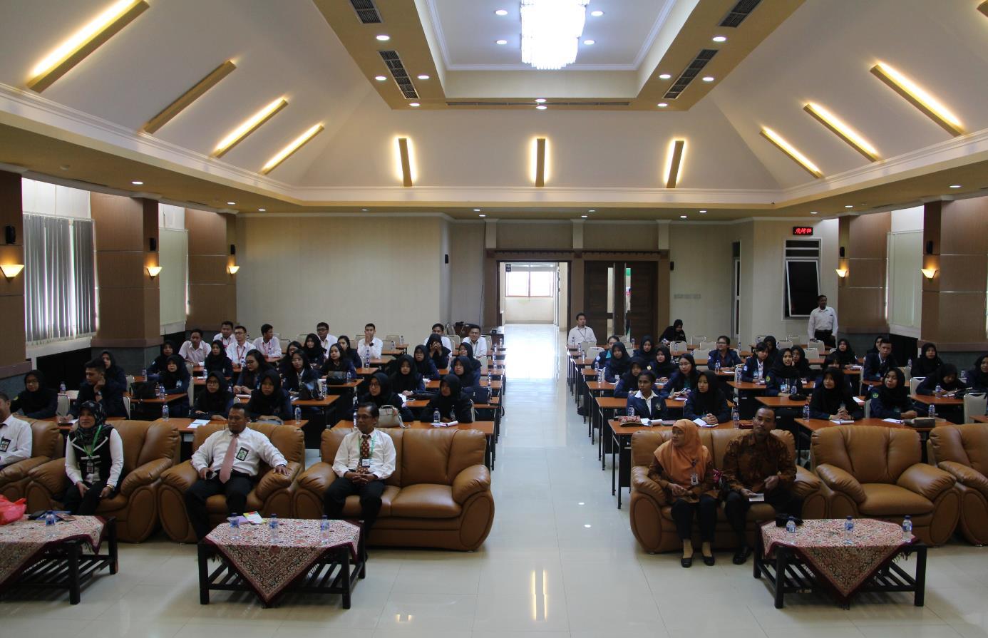 Mahasiswa Akuntansi Polines, Kuliah Kerja Lapangan ke KPKNL Semarang