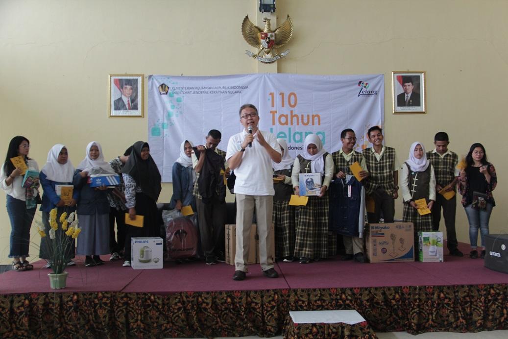 Perayaan '110 Tahun Lelang di Indonesia' di KPKNL Purwakarta : Ratusan Pelajar Ikuti Lelang Sukarela