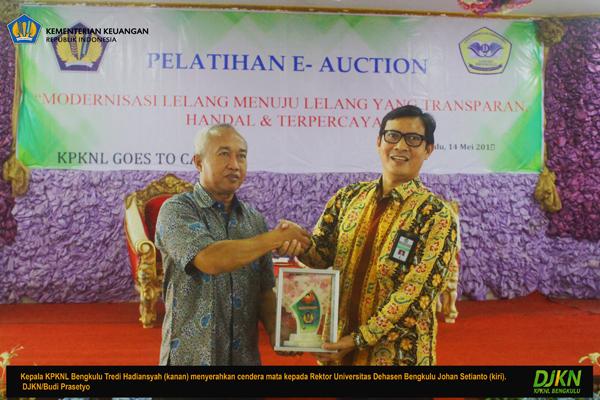 Edukasikan e-Auction, KPKNL Goes to Campus Hadir di Unived Bengkulu