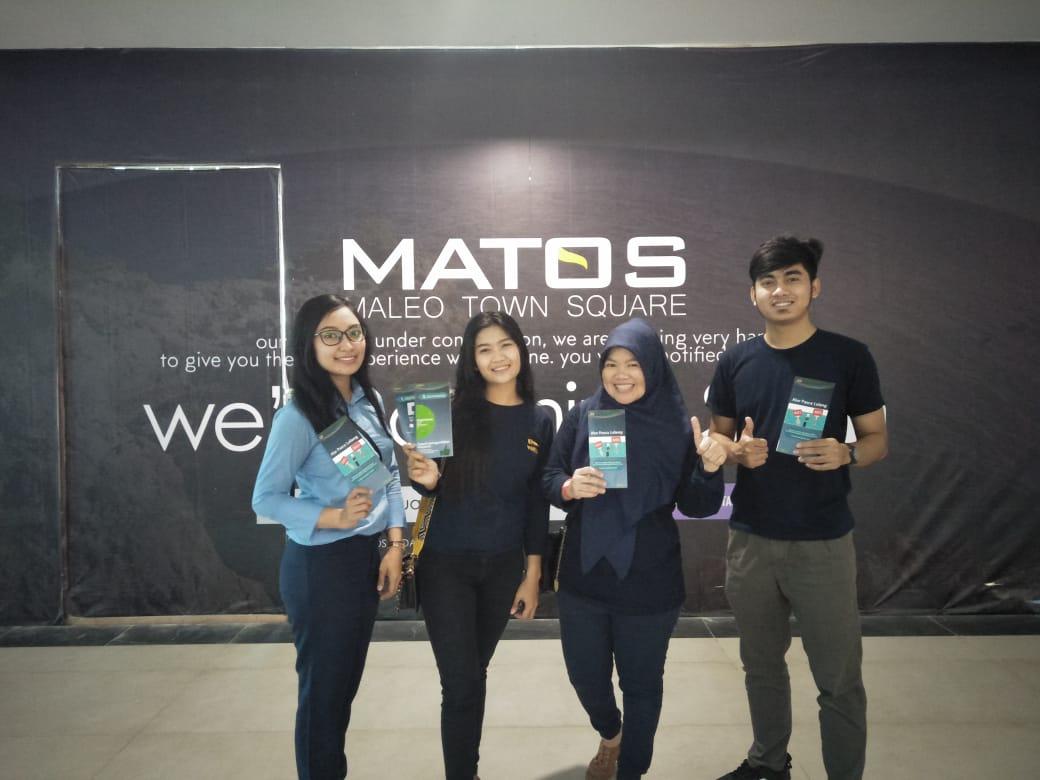 KPKNL Mamuju Bagi Brosur di Mall Maleo Town Square (MATOS)