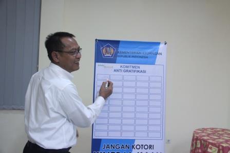 Rapat Pembinaan KPKNL Bogor : Komunikasi Adalah Key Success Suatu Organisasi