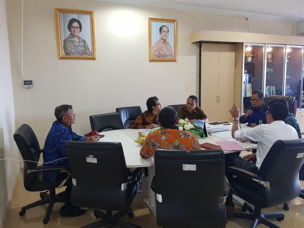 Kepala Kanwil DJKN Balinusra Mengadakan Rapat Revaluasi Aset di KPKNL Kupang