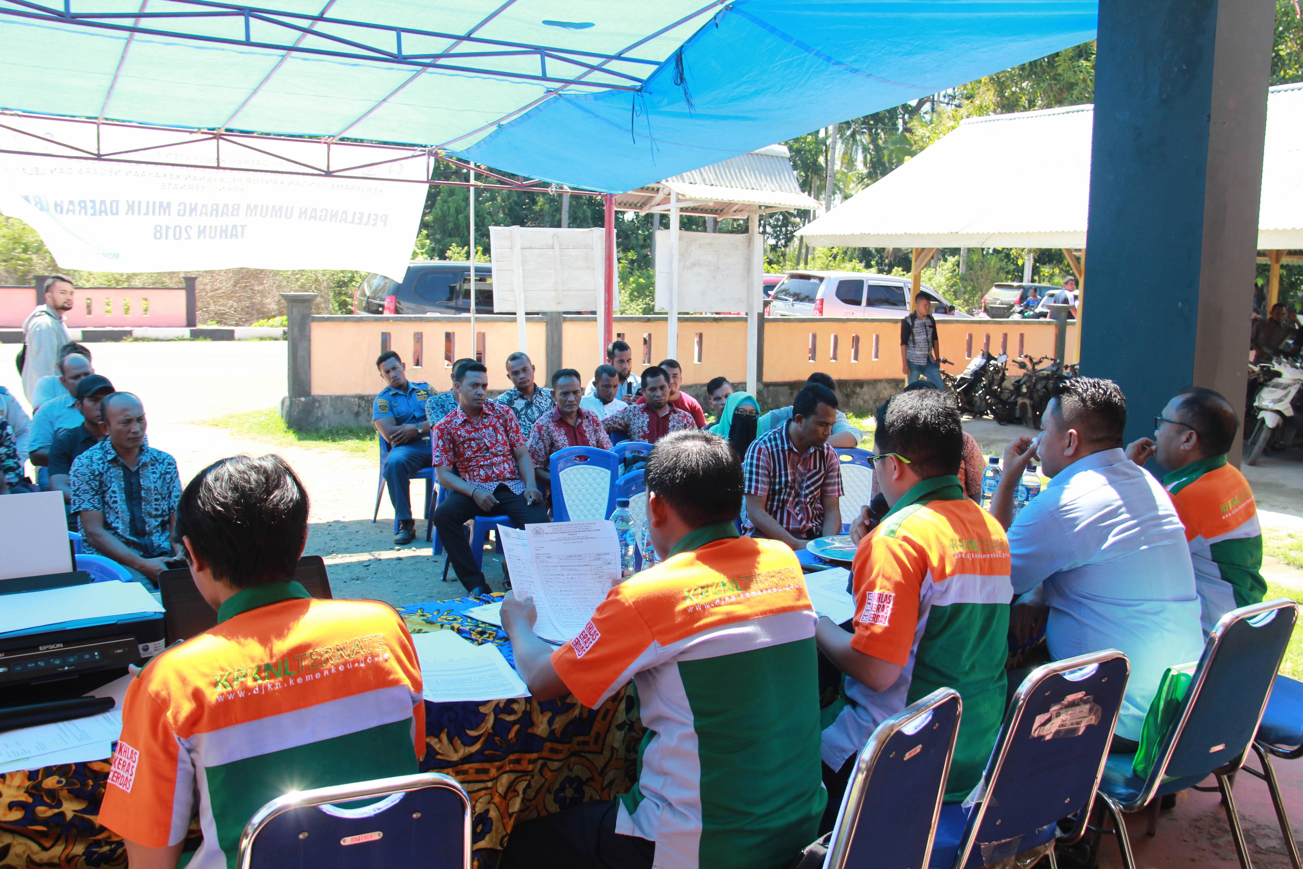 KPKNL TERNATE BERHASIL LELANG 39 KENDARAAN ASET KABUPATEN PULAU MOROTAI
