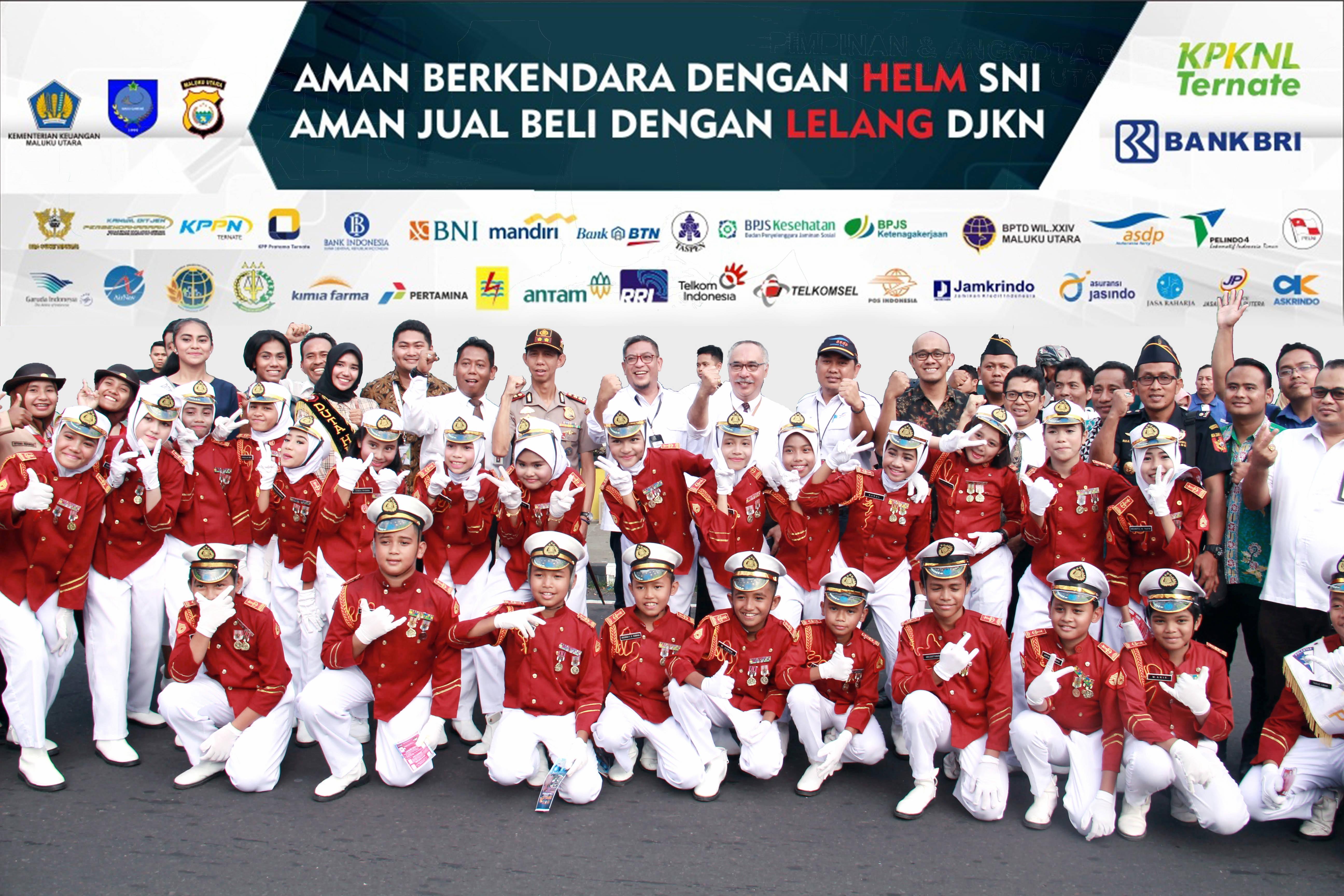 Peringati HUT DJKN Ke-12, KPKNL Ternate Bagikan Helm SNI