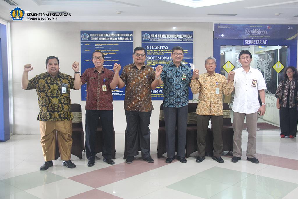Jajaran Kemenkeu Jateng Sambut Hangat Kunjungan Kerja Sekjen Kemenkeu ke Semarang