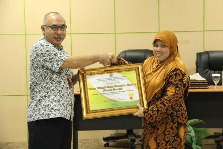 Menjadi Mitra Sertifikasi BMN Terbaik, BPN Provinsi Gorontalo menerima Penghargaan