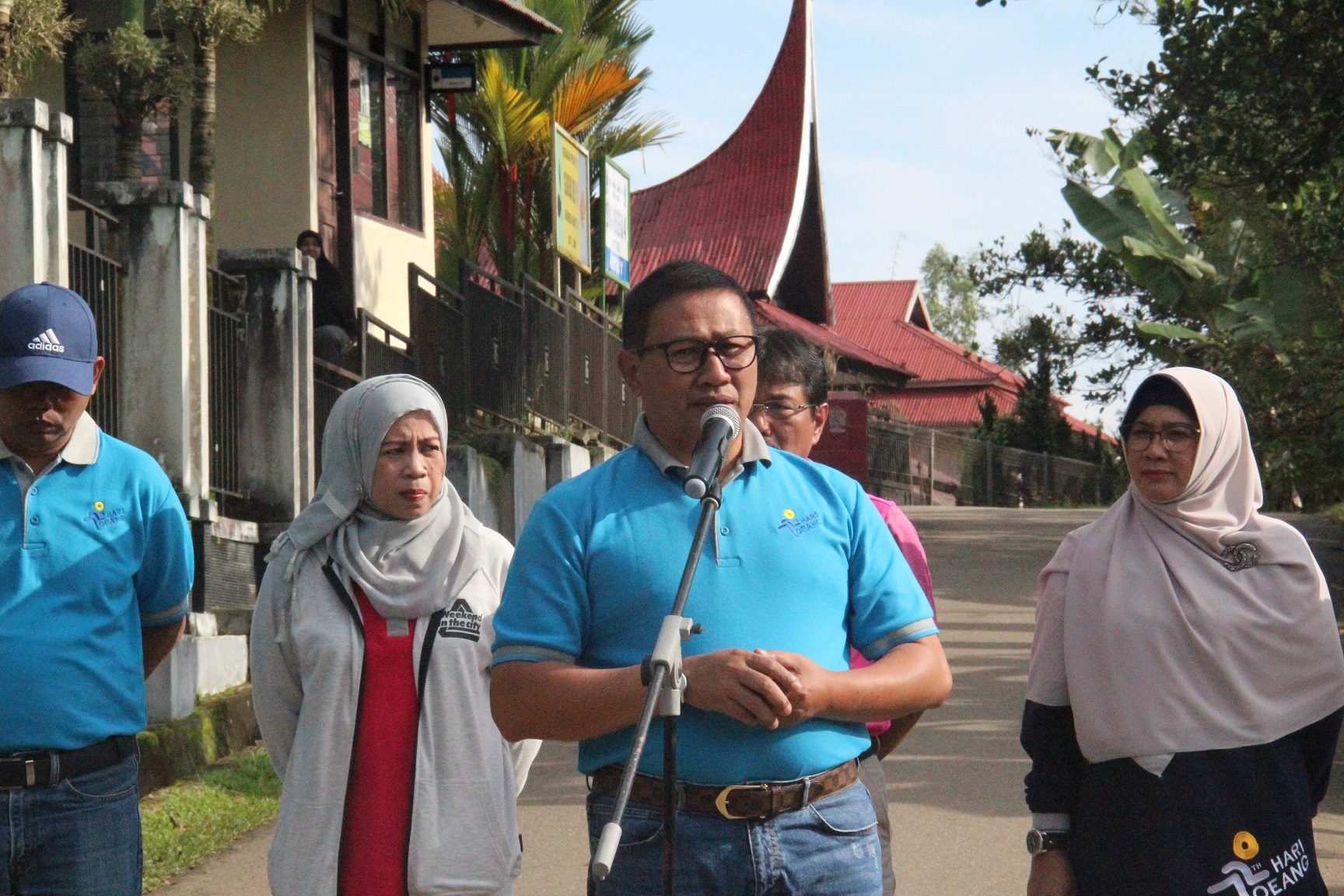 Walikota Bukittinggi Buka Jalan Sehat dan Bakti Lingkungan Hari Oeang Ke-72