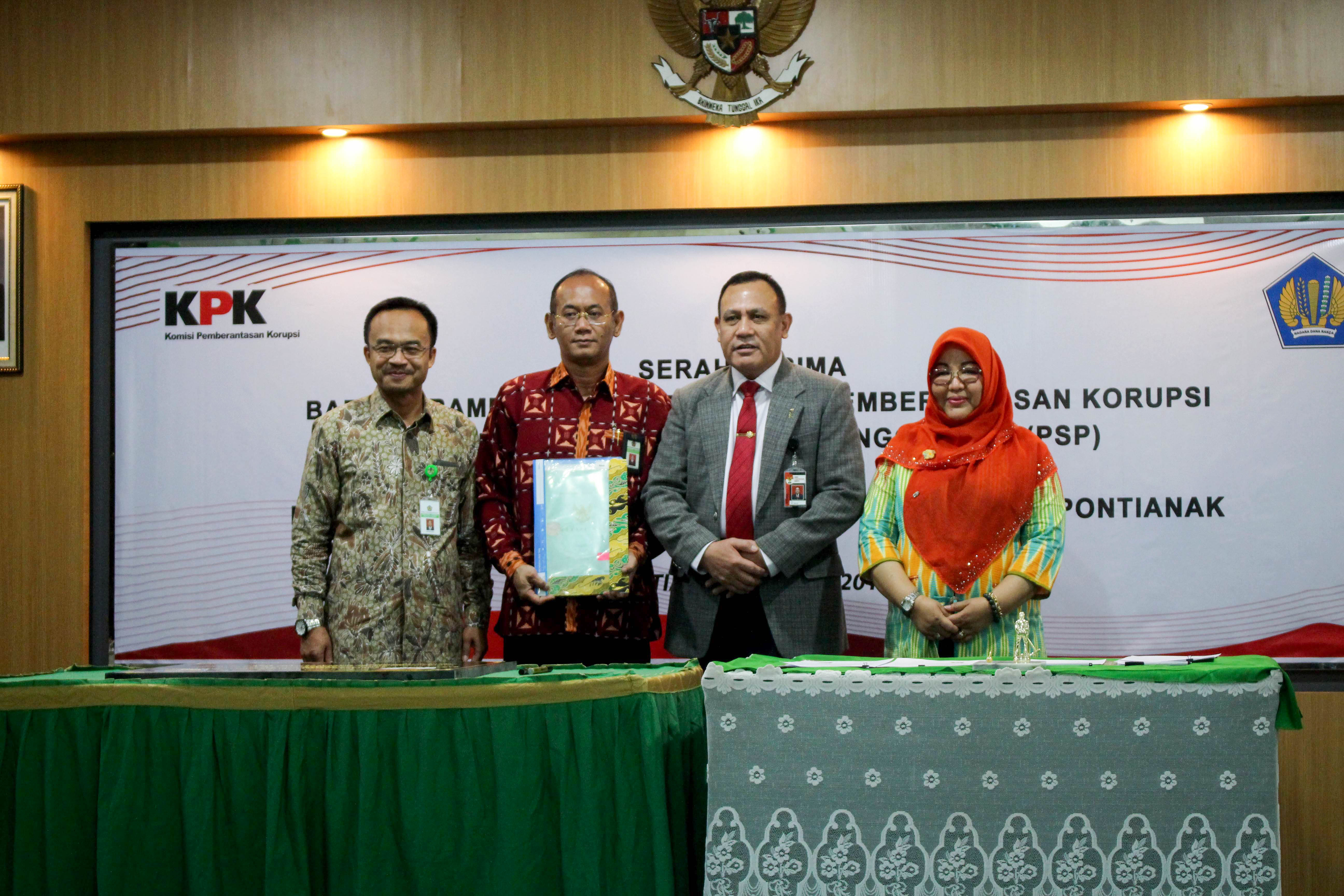 KPKNL Pontianak menerima aset rampasan dari KPK