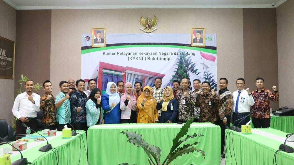 111 Tahun Lelang Indonesia, KPKNL Bukittinggi Kembali Galang Lelang Expo Ke-II