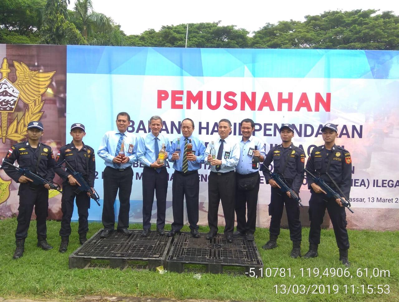 KPKNL Makassar Hadiri Kegiatan Pemusnahan Barang Hasil Penindakan DJBC