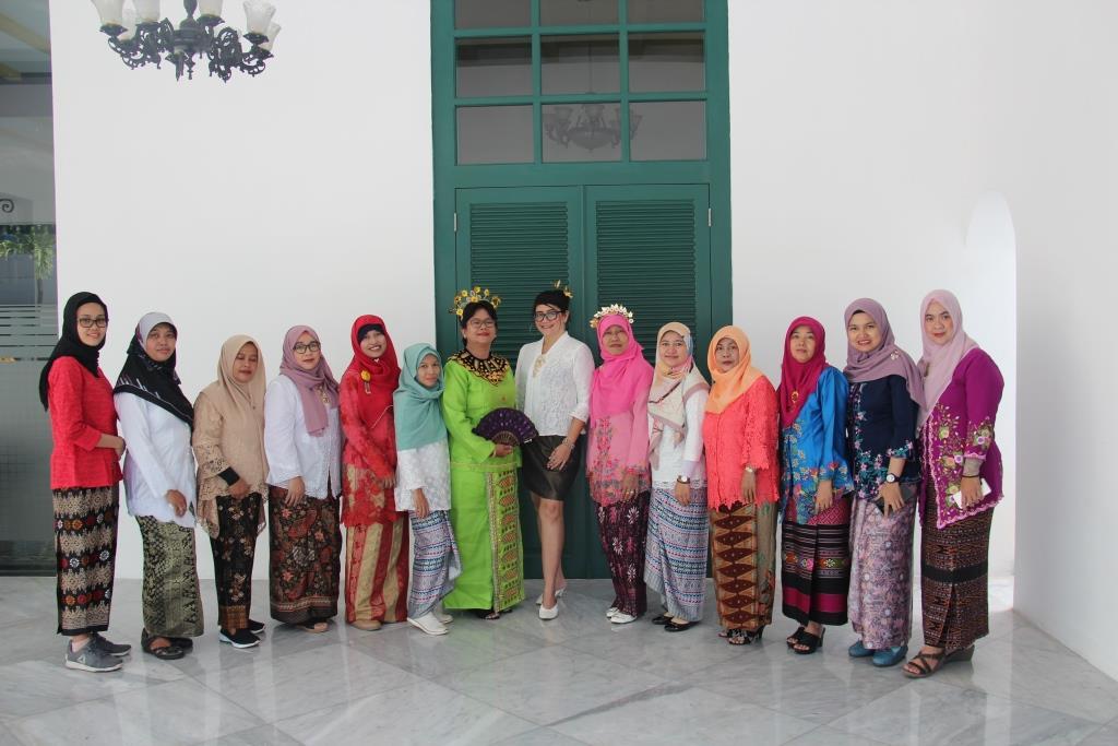 Perayaan Hari Kartini se-Kanwil DJKN Jakarta, KPKNL Jakarta III Sabet Juara I Lomba Busana Daerah Terbaik