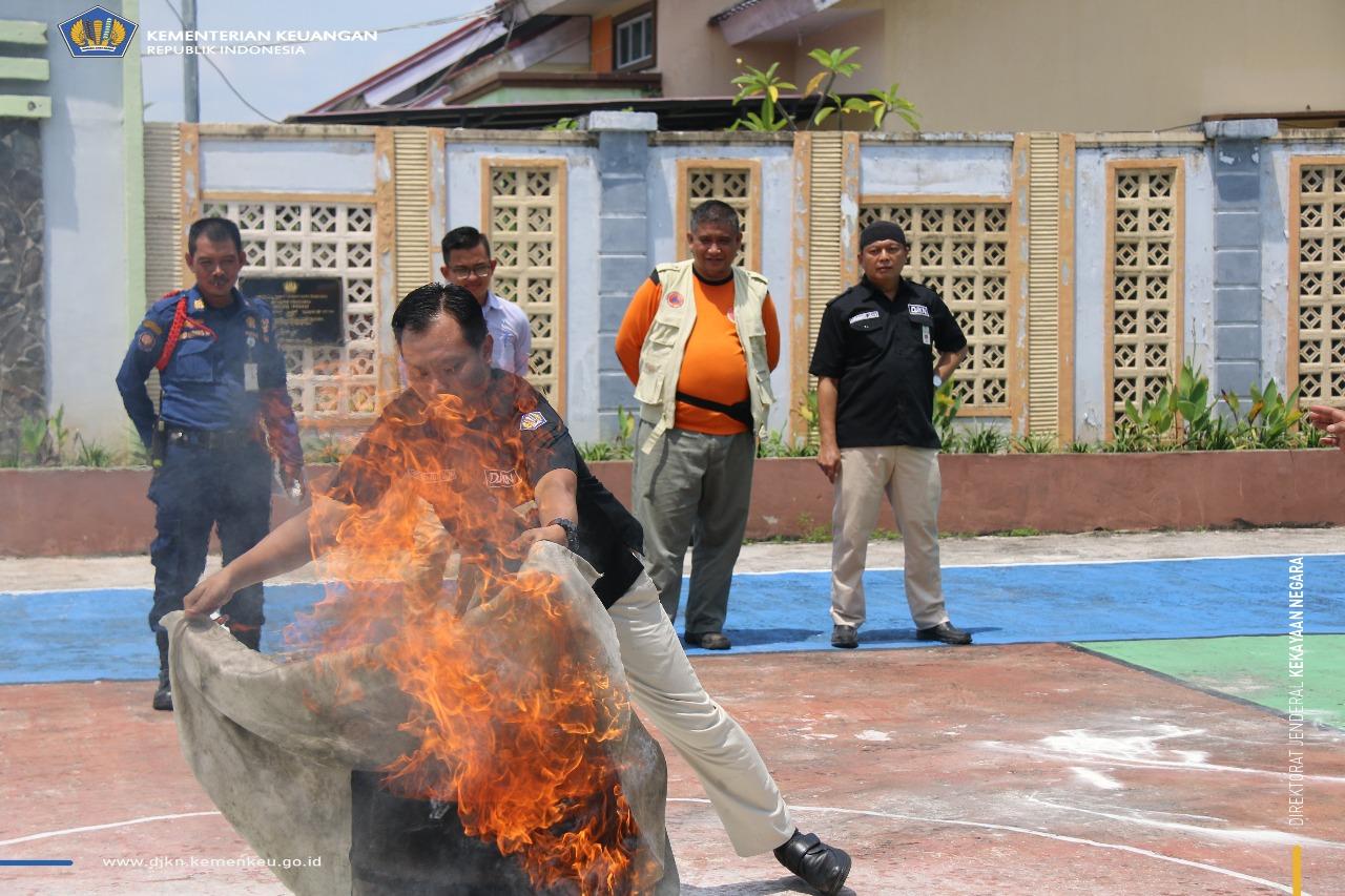 Peringati Hari Kesiapsiagaan Bencana, KPKNL Dumai adakan Simulasi Evakuasi Bencana