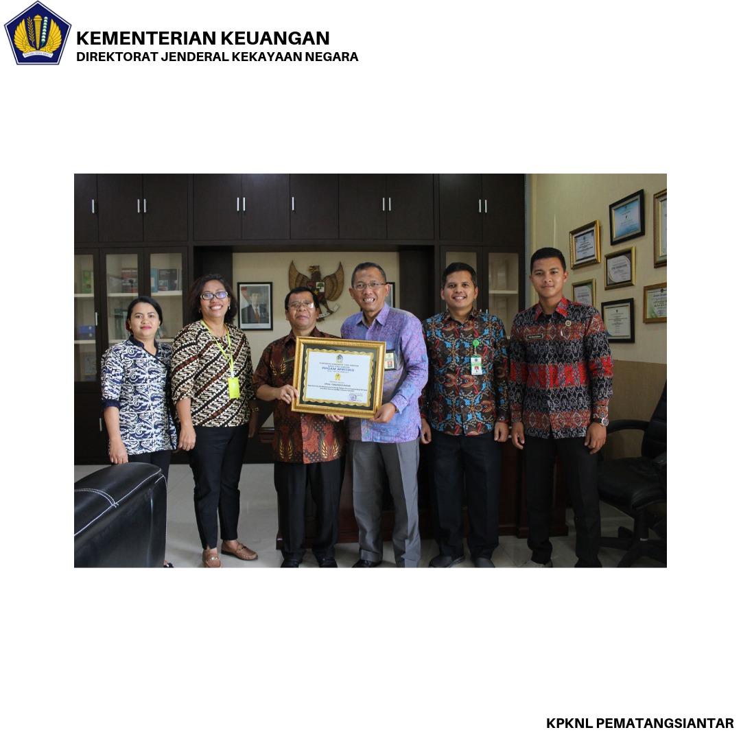"""""""Penilaian dan Pelelangan Sukses, KPKNL Pematangsiantar terima Piagam Apresiasi dari Pemkab Tobasa"""""""