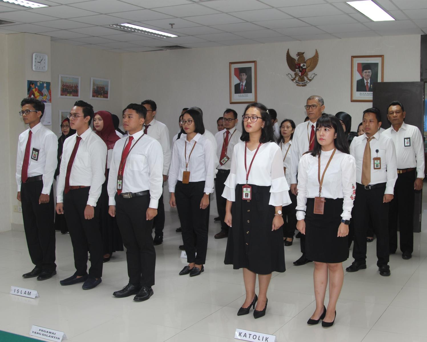 Kanwil DJKN Suluttenggomalut Gelar Pengangkatan dan Pengambilan Sumpah PNS