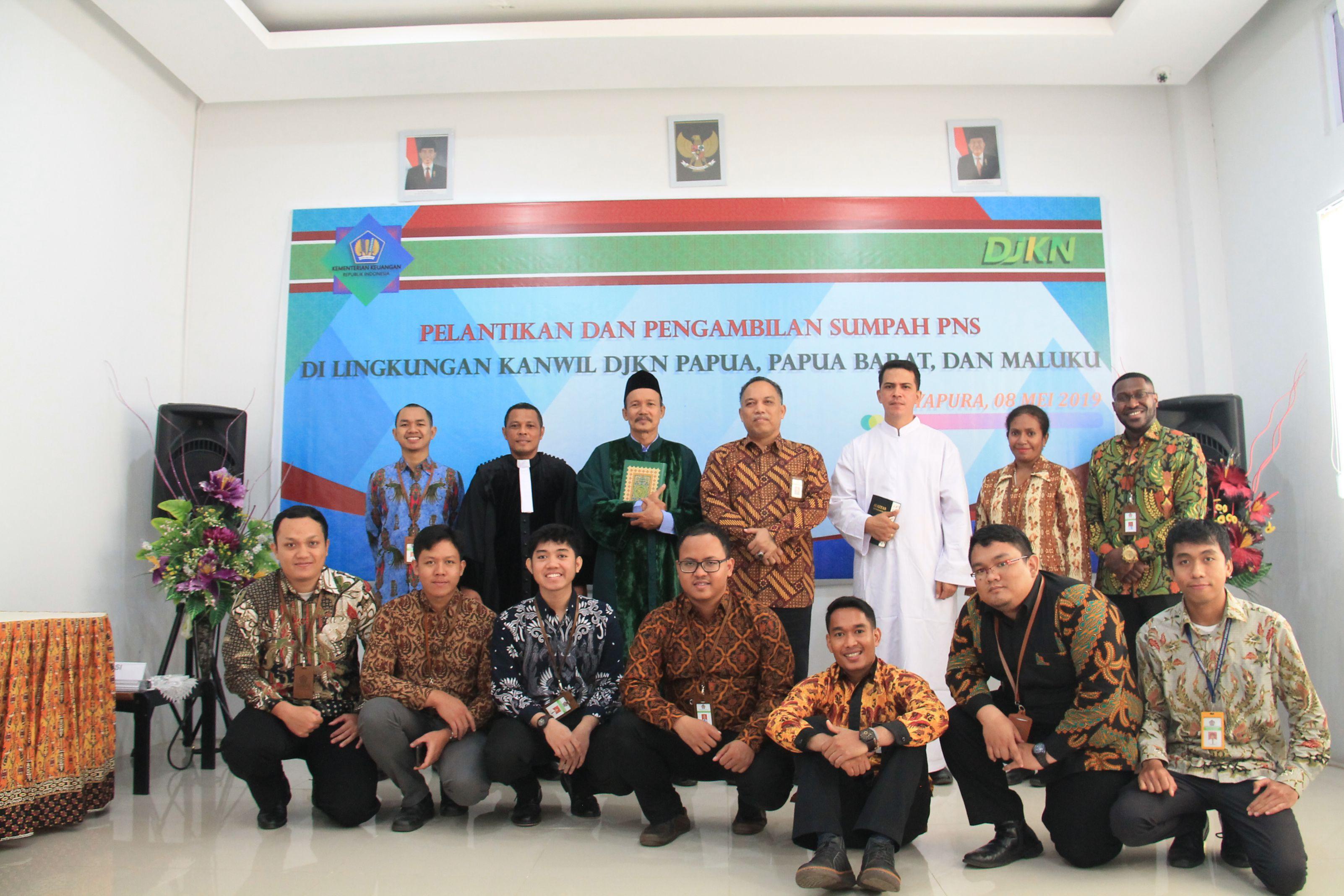 Pelantikan dan Pengambilan Sumpah PNS Golongan III di Lingkungan Kanwil DJKN Papabaruku