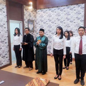 Tujuh PNS KPKNL Tarakan Melaksanakan Pengambilan Sumpah
