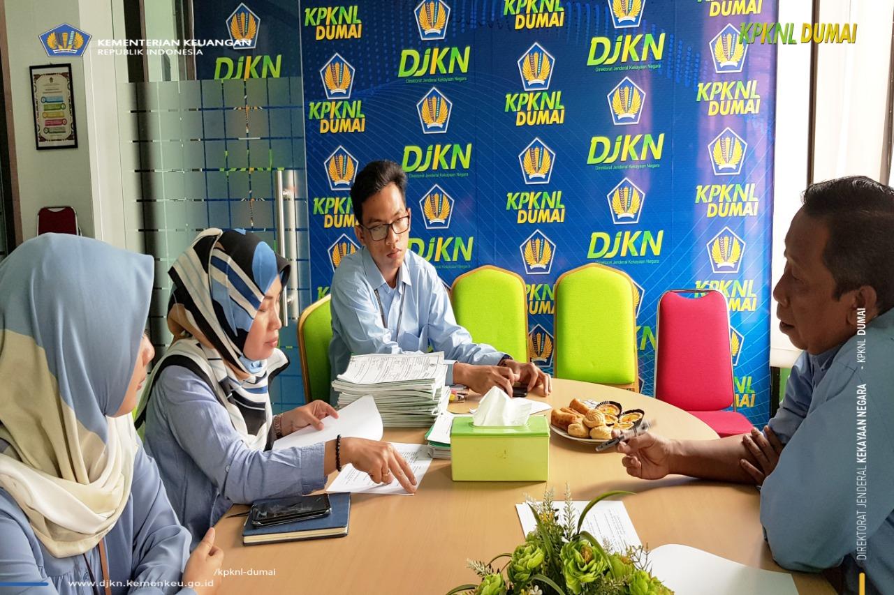 Bidang Penilaian Kanwil DJKN RSK Melakukan Monev Penilaian Selain BMN di KPKNL Dumai