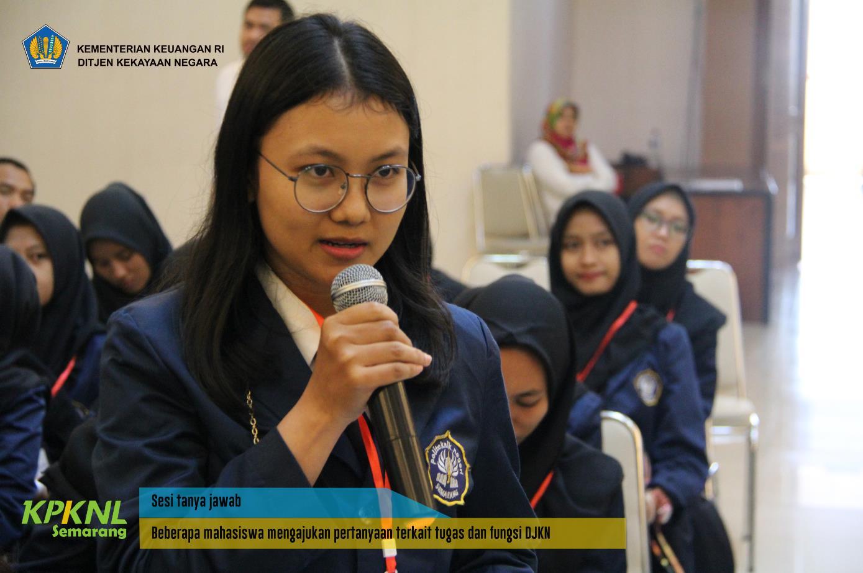 Mahasiswa Polines Berkunjung ke KPKNL Semarang