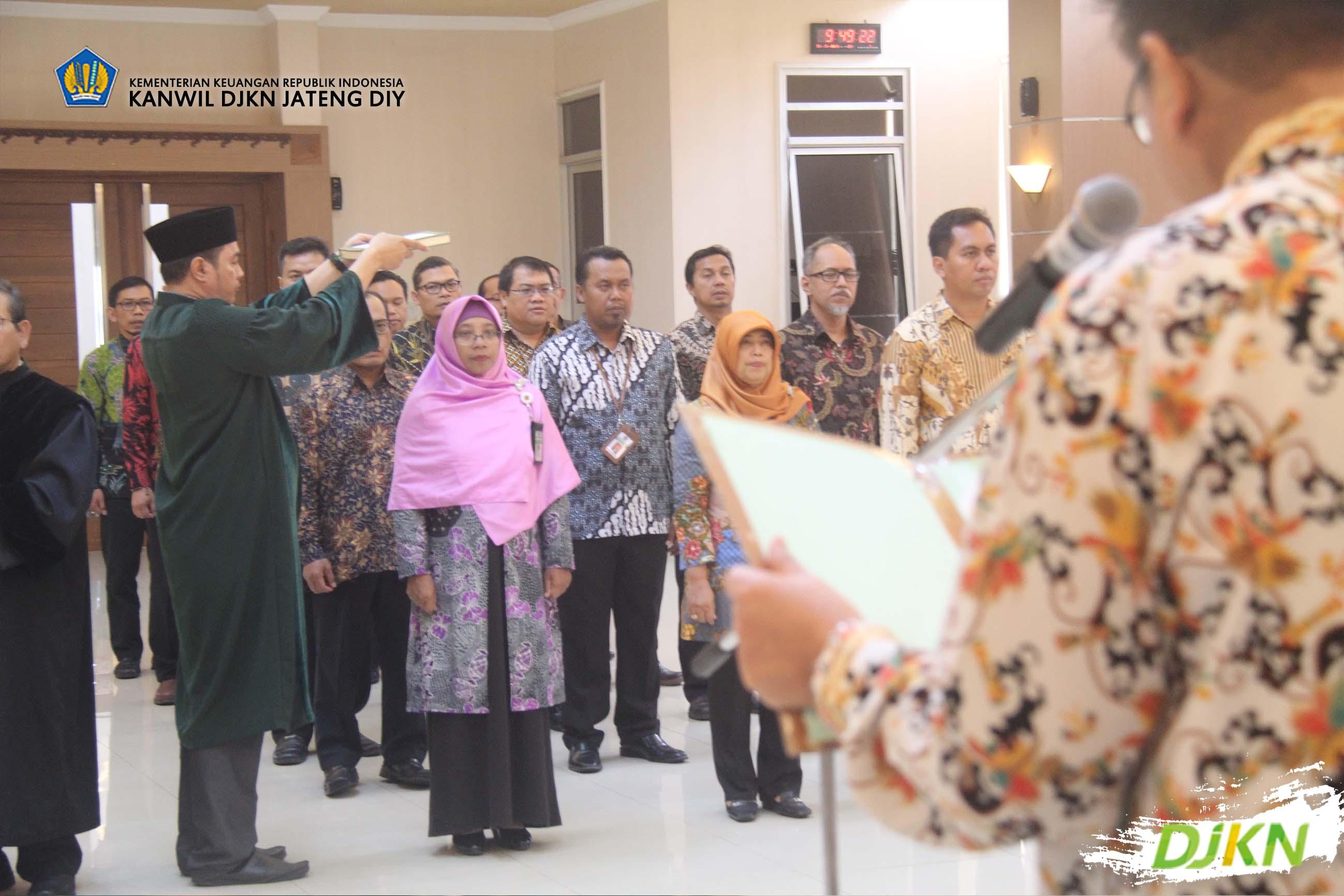 Lantik Pejabat Pengawas, KaKanwil DJKN Jateng DIY Menyampaikan Dua Pesan Penting