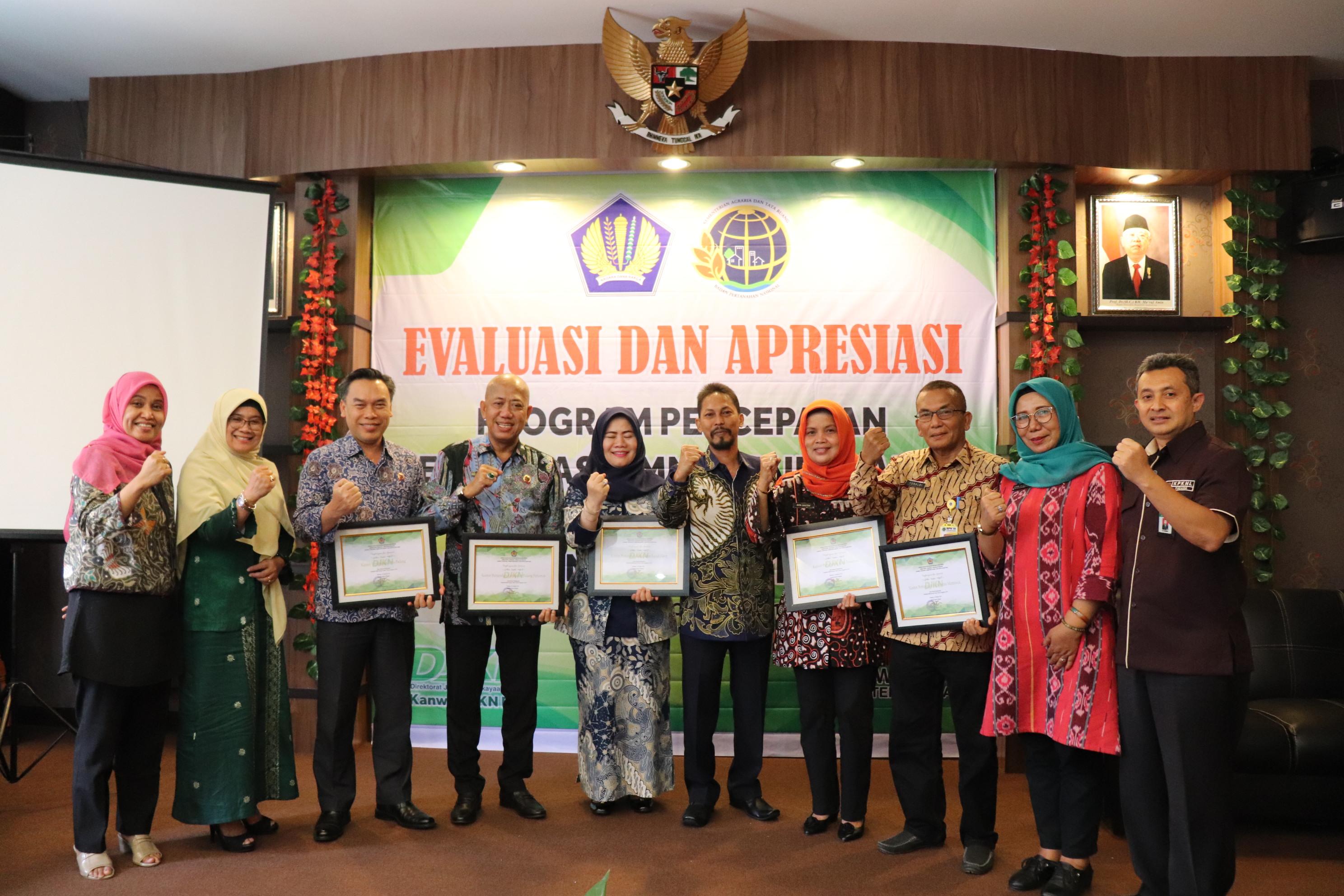 Kanwil DJKN RSK Gelar Evaluasi dan Apresiasi Program Sertipikasi BMN di KPKNL Padang