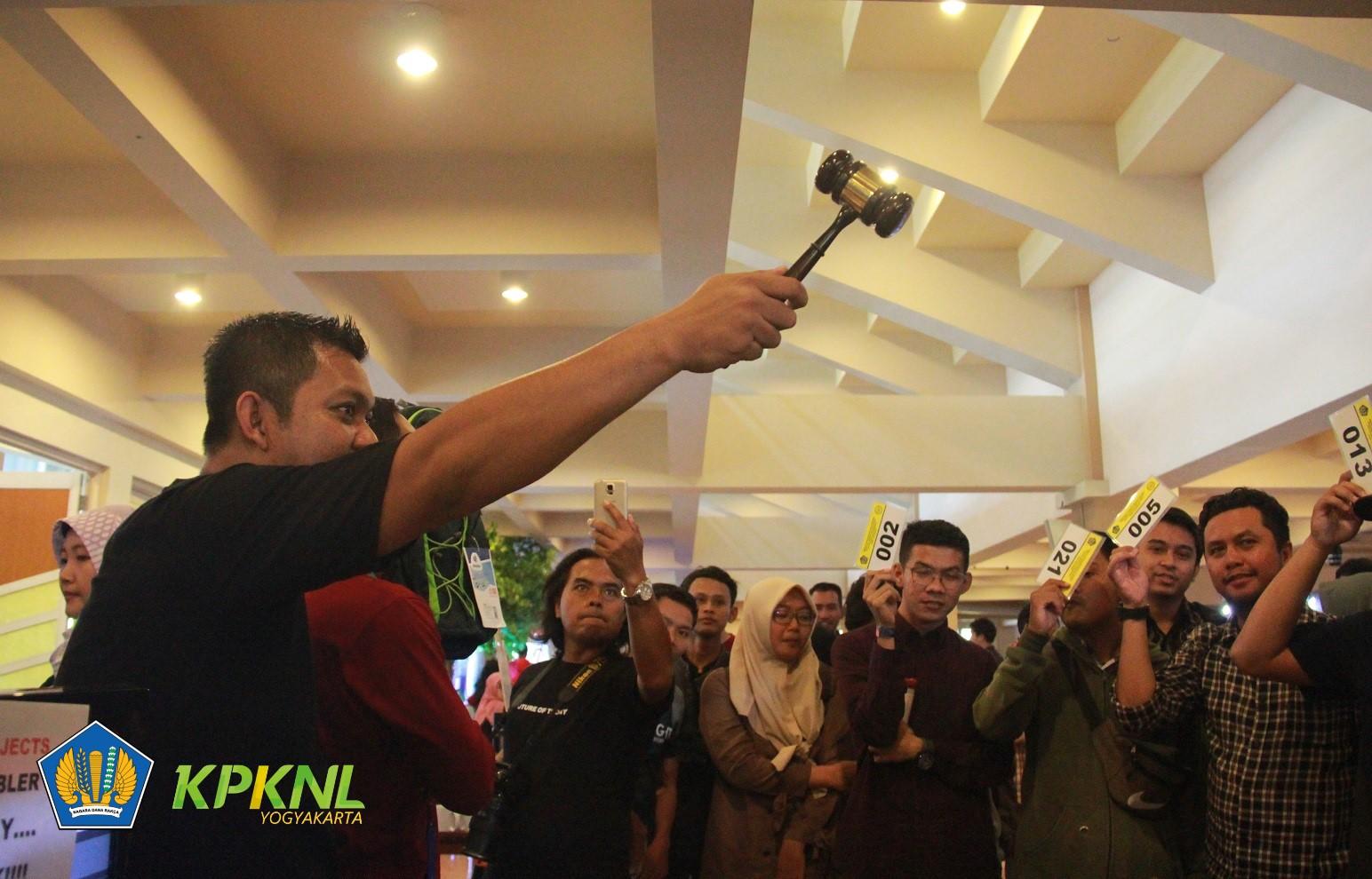 Kenalkan Lelang Pada Generasi Milenial, KPKNL Yogyakarta Ikut Semarakkan MOFEST 2019