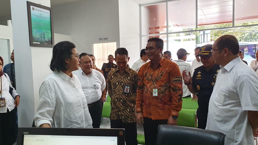 Menteri Keuangan Bersama Direktur Jenderal Kekayaan Negara Motivasi Pegawai DJKN Pasca Kerusuhan Jayapura