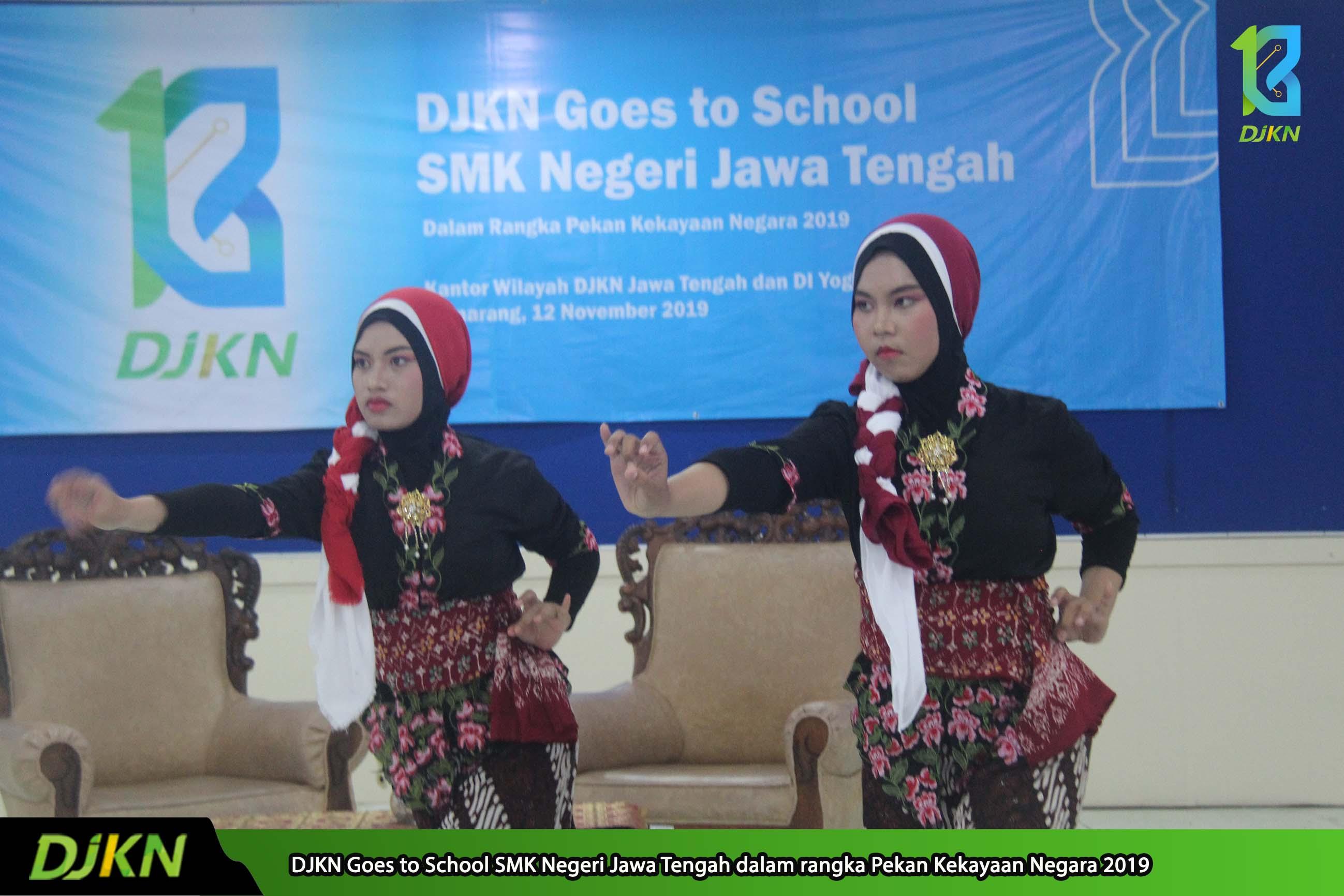 Keseruan DJKN Goes to School dengan Sambutan Antusias Para Siswa