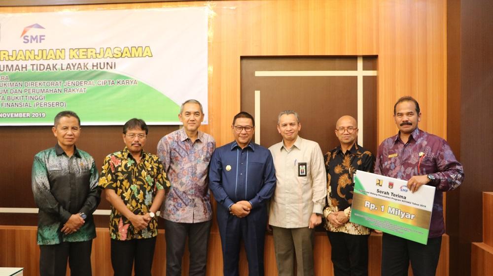 PT SMF (Persero) Bantu Benahi Kawasan Kumuh di Kota Bukittinggi