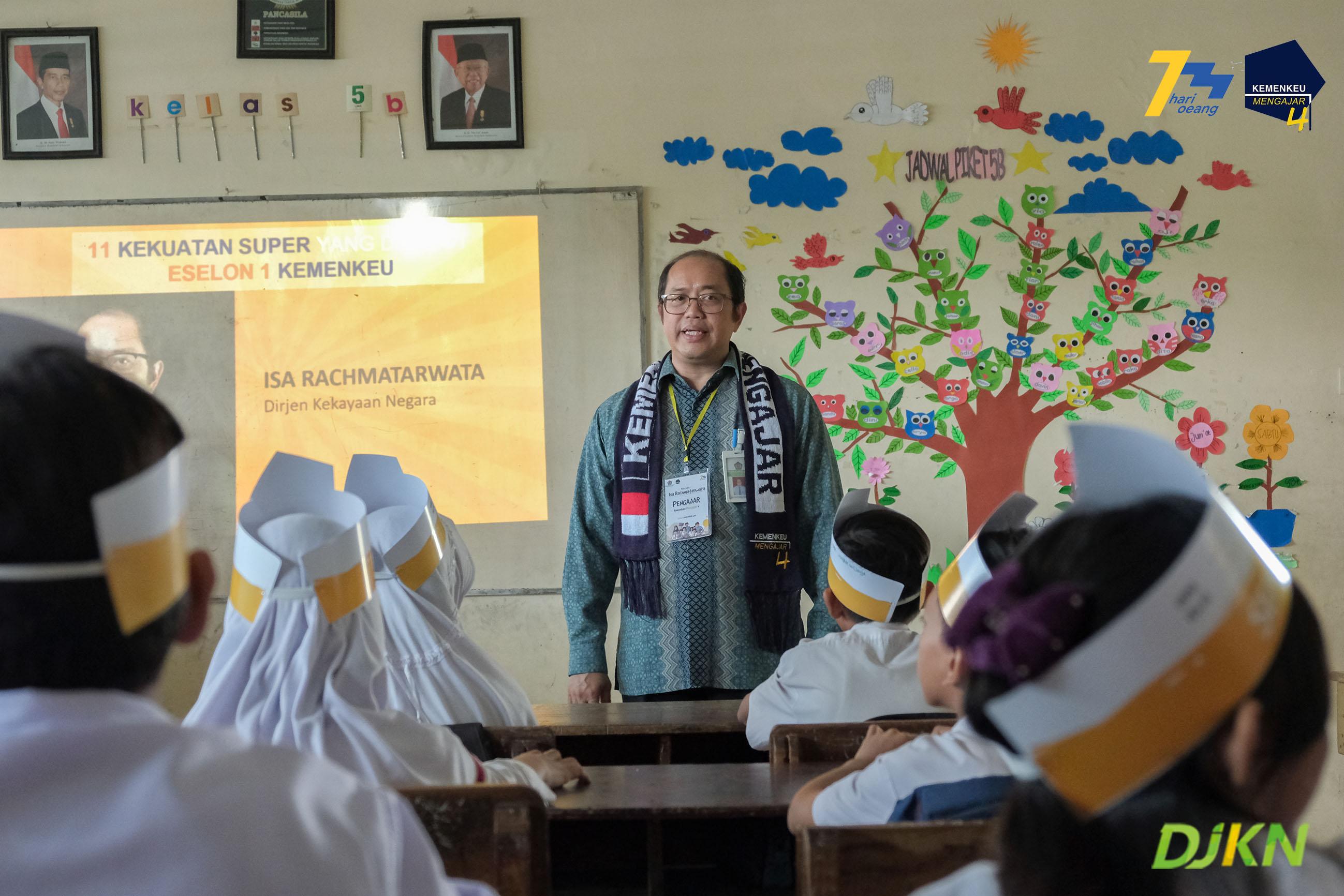 Dirjen Kekayaan Negara Menjadi Guru di SDN Tawangmas 01 Semarang