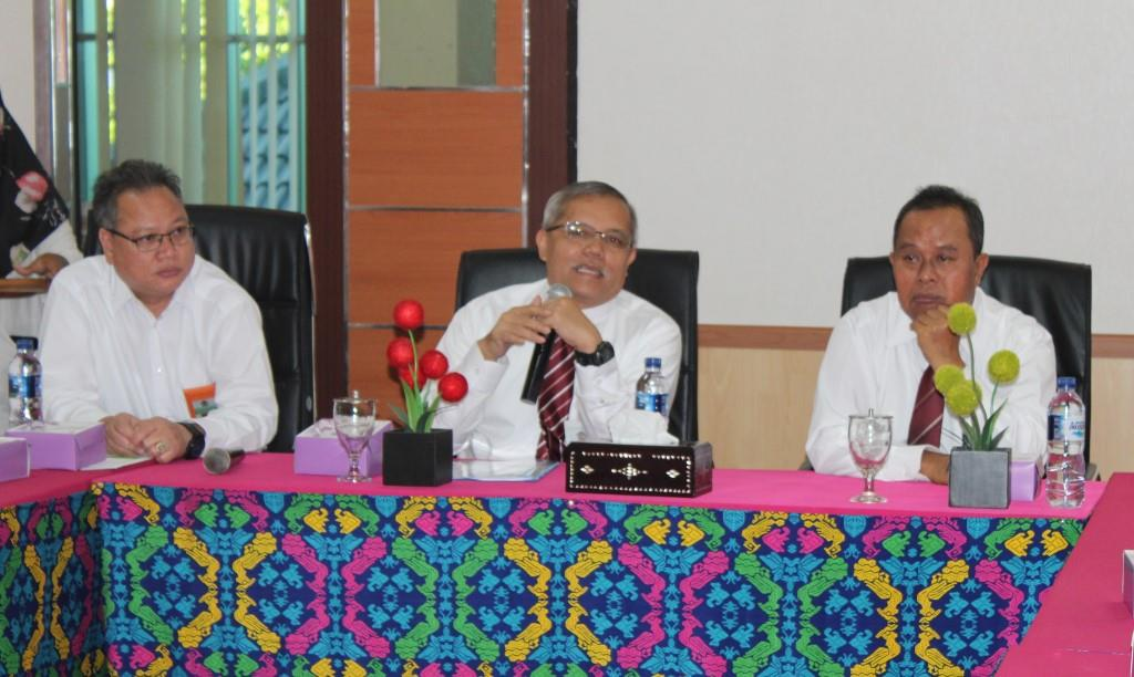 Direktur BMN Membakar Semangat Pegawai KPKNL Mataram