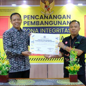 Pencanangan Zona Integritas: KPKNL Bima, Bisa !