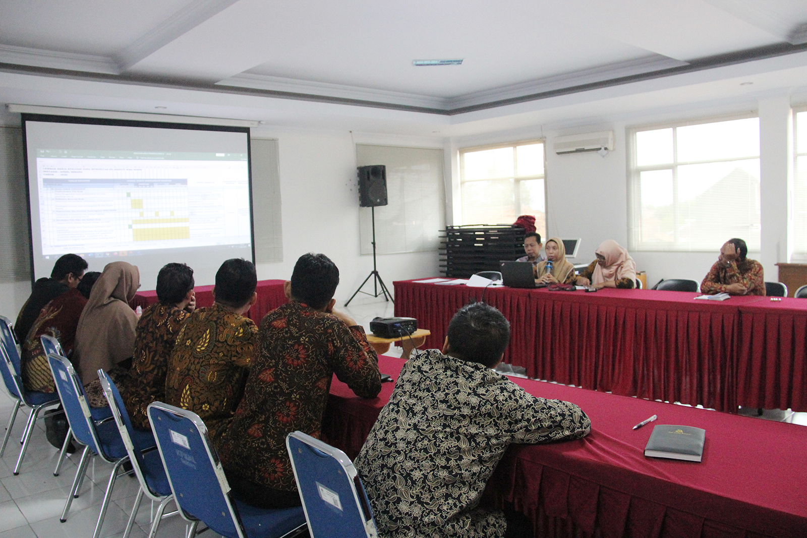 Menuju Predikat Zona Integritas Wilayah Bebas dari Korupsi, KPKNL Serang Gelar Rapat Kerja