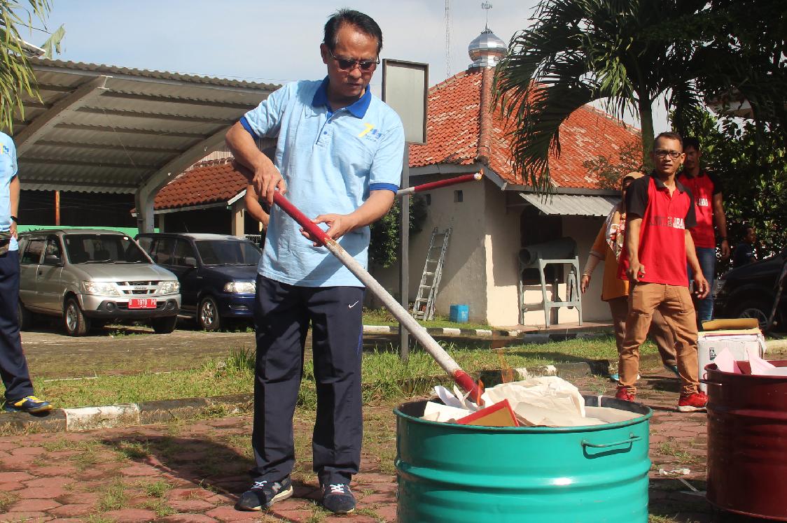 KPKNL Bogor berhasil melaksanakan pemusnahan Arsip
