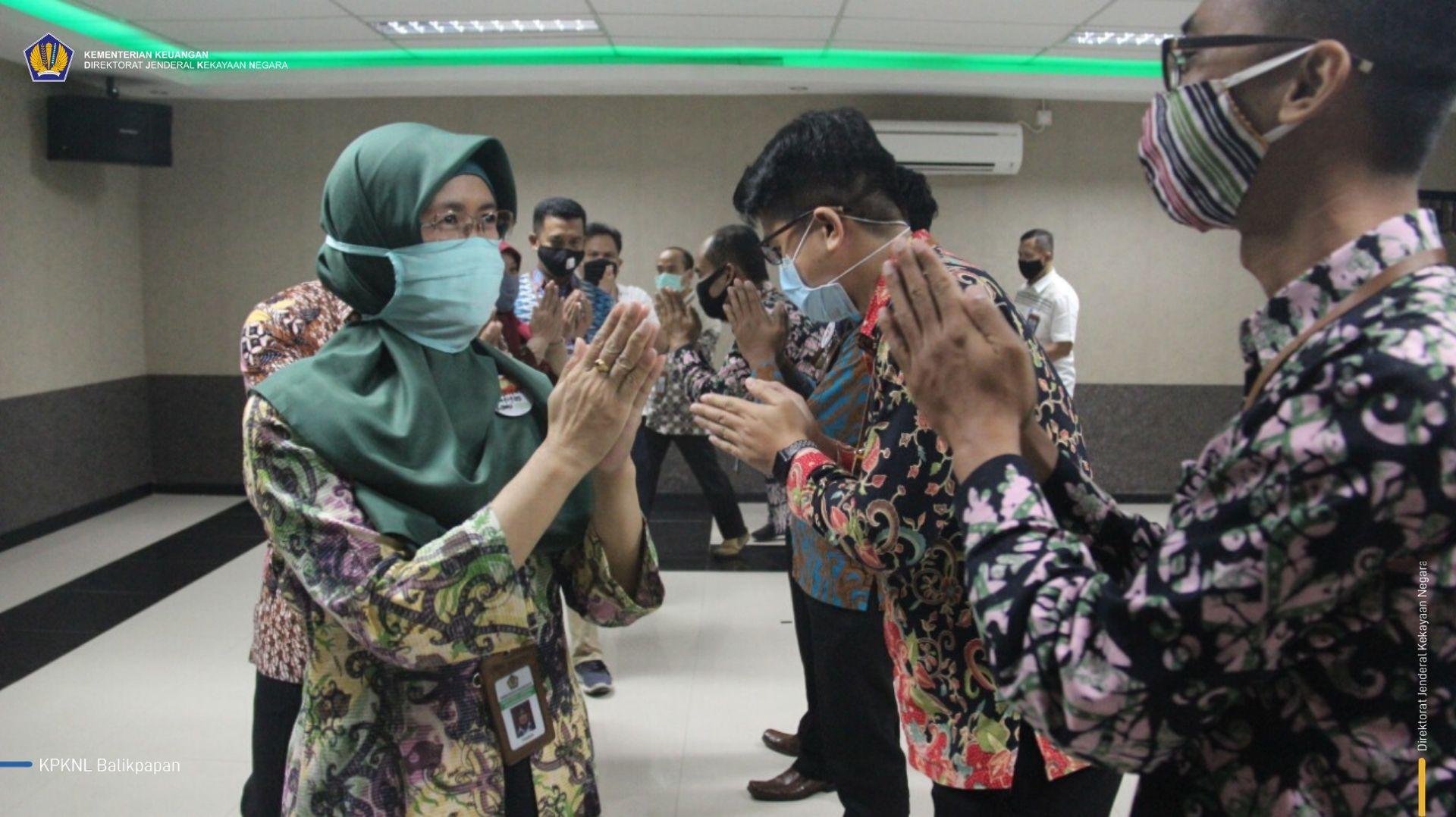 Resmi! Dua Pegawai KPKNL Balikpapan diangkat sebagai Pejabat Fungsional Penilai