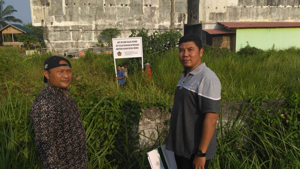 Lakukan Pengamanan Kekayaan Negara, KPKNL Lhokseumawe Pasang Plang Nama Di Wilayah Cunda