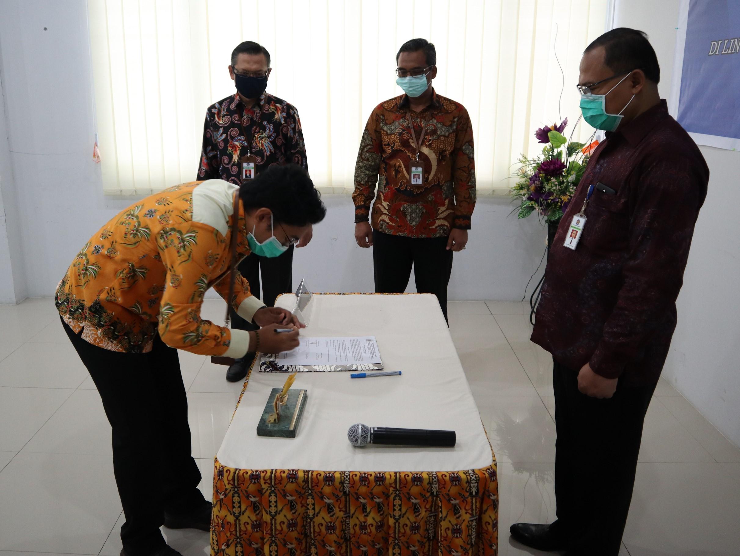 Pelantikan Pejabat Lelang KPKNL Jayapura