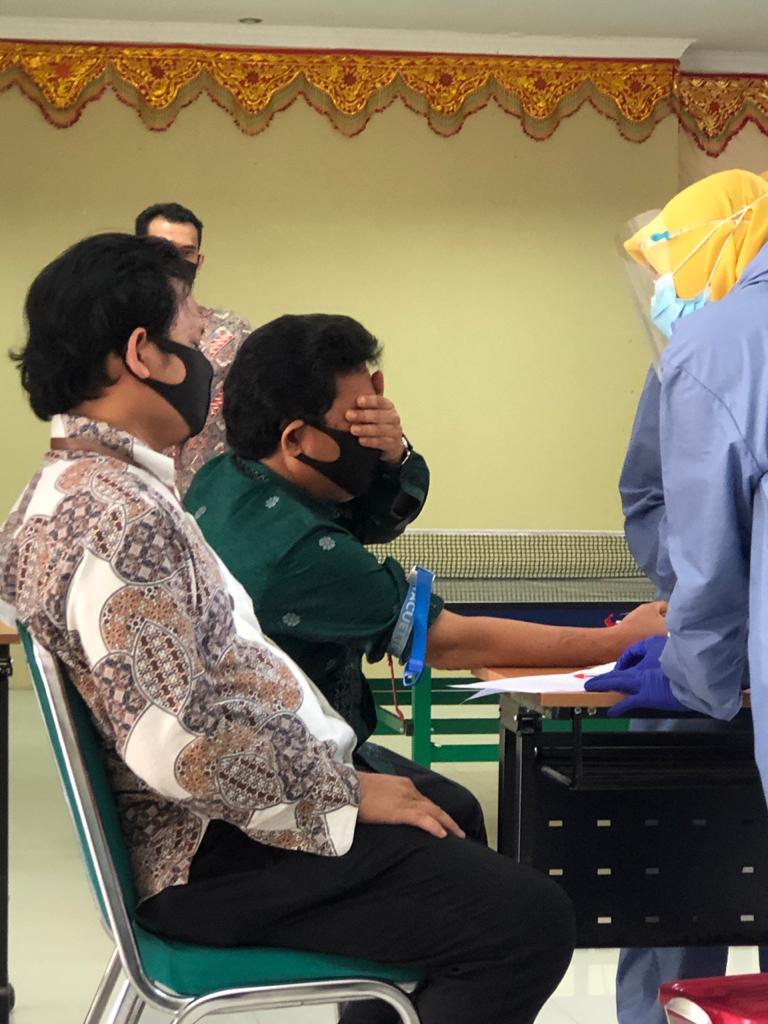 Cegah Covid-19, KPKNL Bukittinggi Lakukan Rapid Test