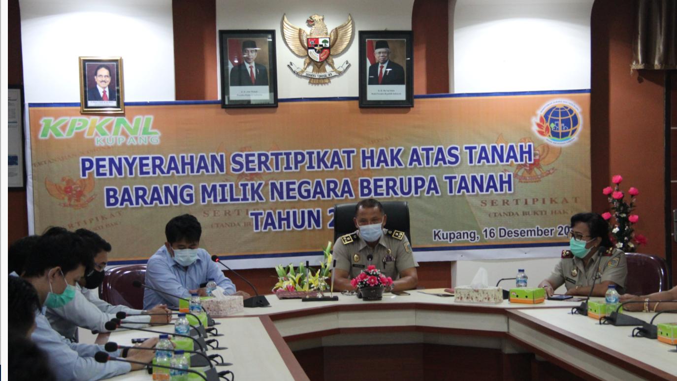 Penyerahan Sertipikat BMN Berupa Tanah dan Jalan Nasional, KPKNL Kupang capai 100% sertifikasi BMN