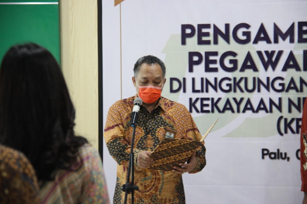 Lantik 12 PNS KPKNL Palu, Kepala Kanwil: Junjung Tinggi Nilai-nilai Kementerian Keuangan