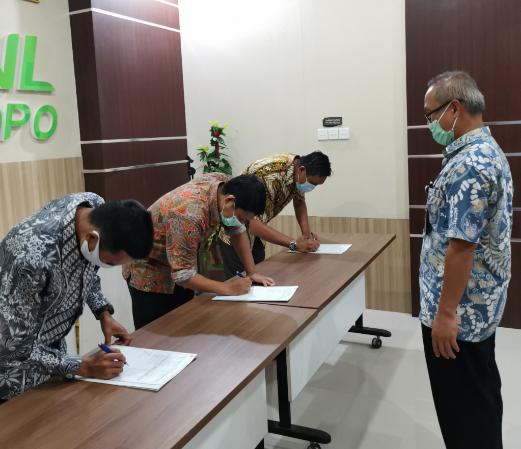 KPKNL Palopo Laksanakan Penandatanganan Kontrak Kinerja Kemenkeu Four dan Five Tahun 2021
