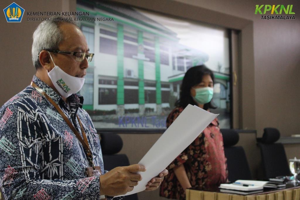 Komitmen untuk menjunjung tinggi integritas dan memberikan pelayanan terbaik, KPKNL Tasikmalaya tanda tangani Pakta Integritas