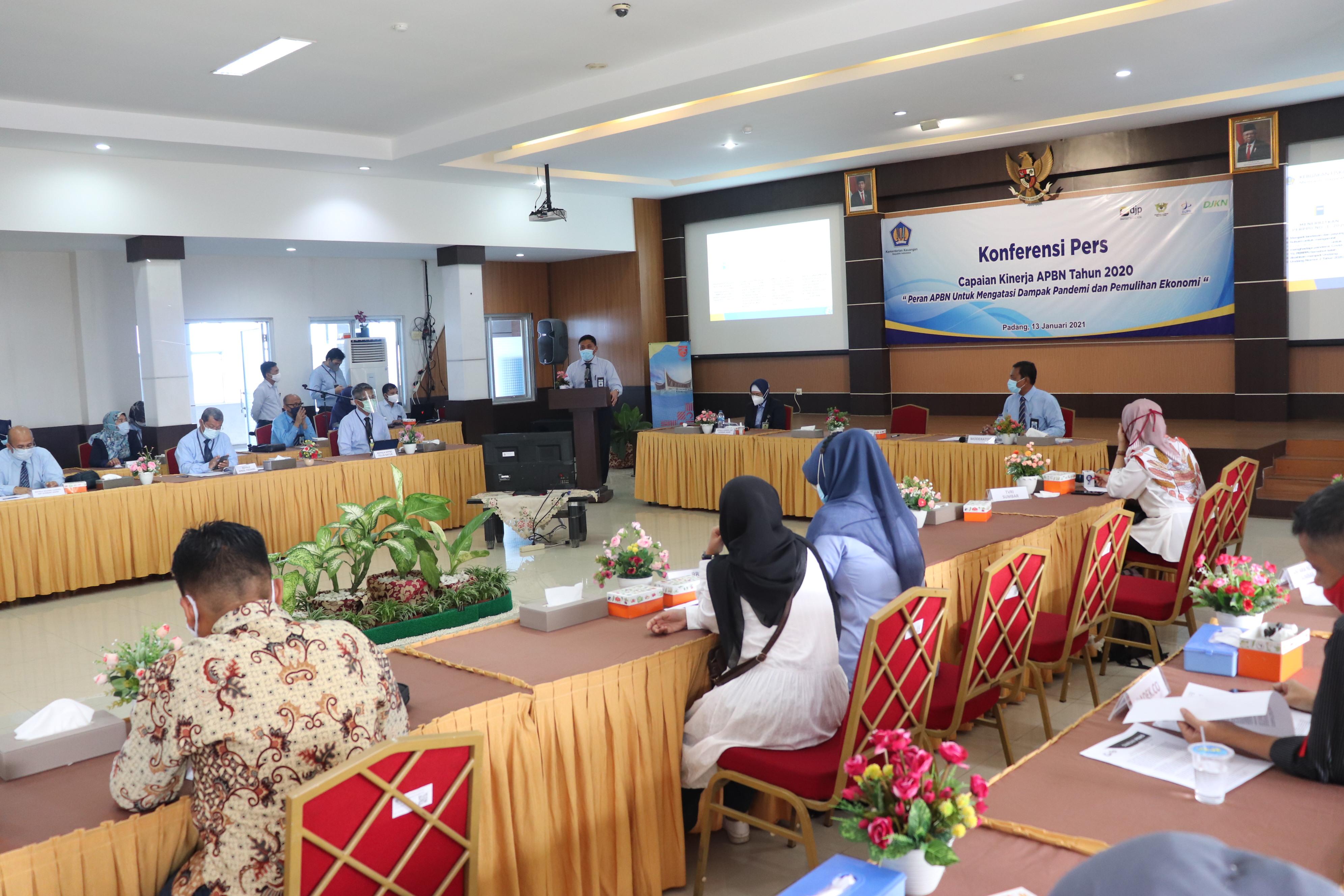 Sinergi, Kemenkeu Sumatera Barat Menyelenggarakan Konferensi Pers Capaian Kinerja APBN 2020