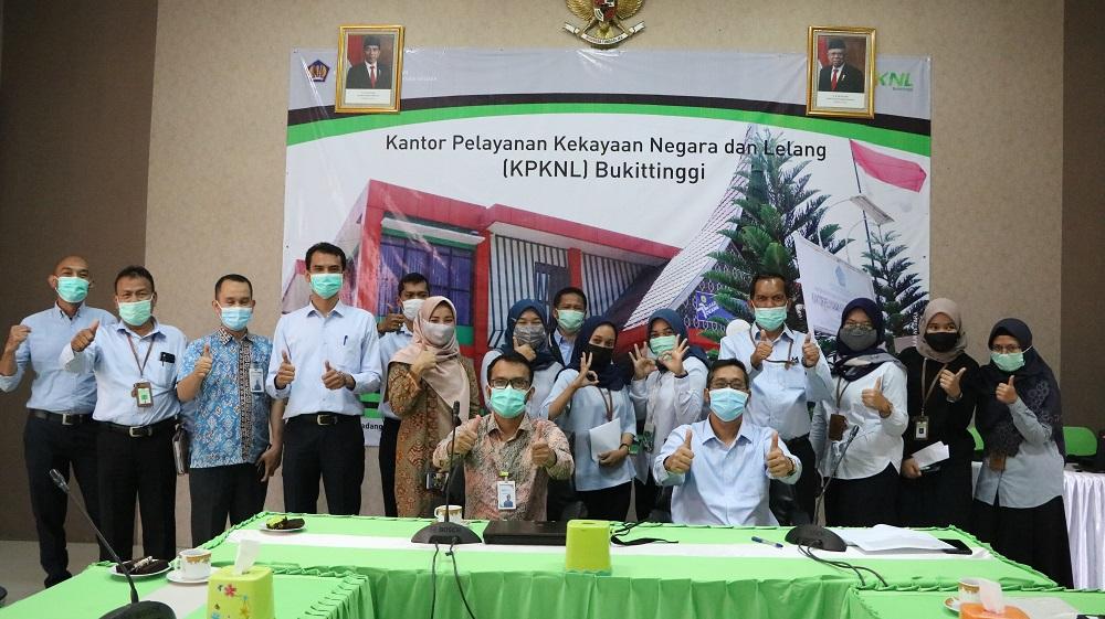 Sambangi KPKNL Bukittinggi, PT Bank Syariah Indonesia Berbagi Pengetahuan Mengenai Service Excellence