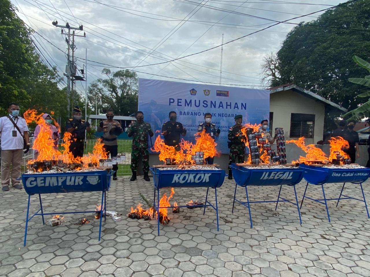 Rugikan Negara Rp74 Juta, Ribuan Barang Ditegah dan Dimusnahkan di Nunukan